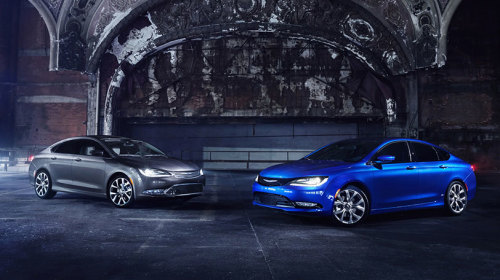 2015 Chrysler 200 01