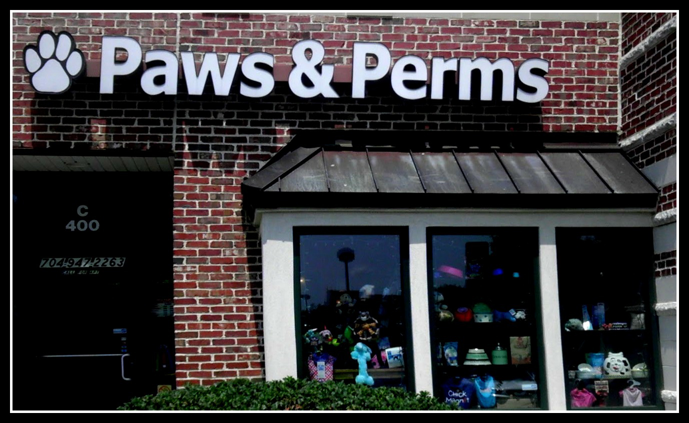 Paws and Perms Pet Salon in Huntersville