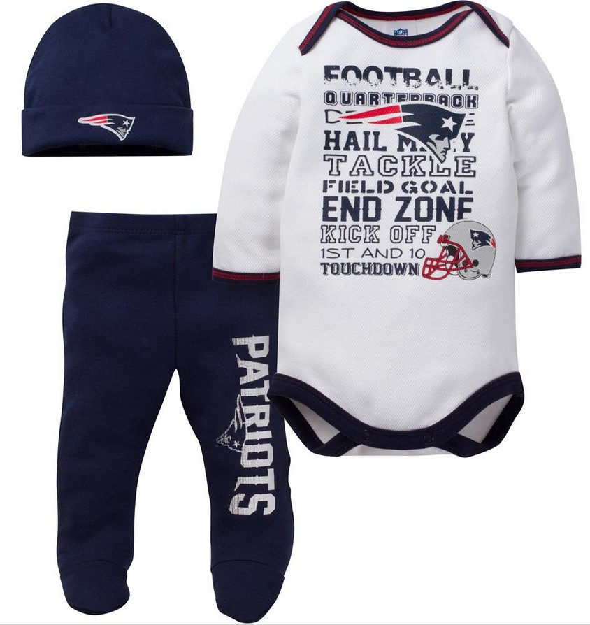 Tips to Make Shopping for Football Baby Clothes Online a Breeze