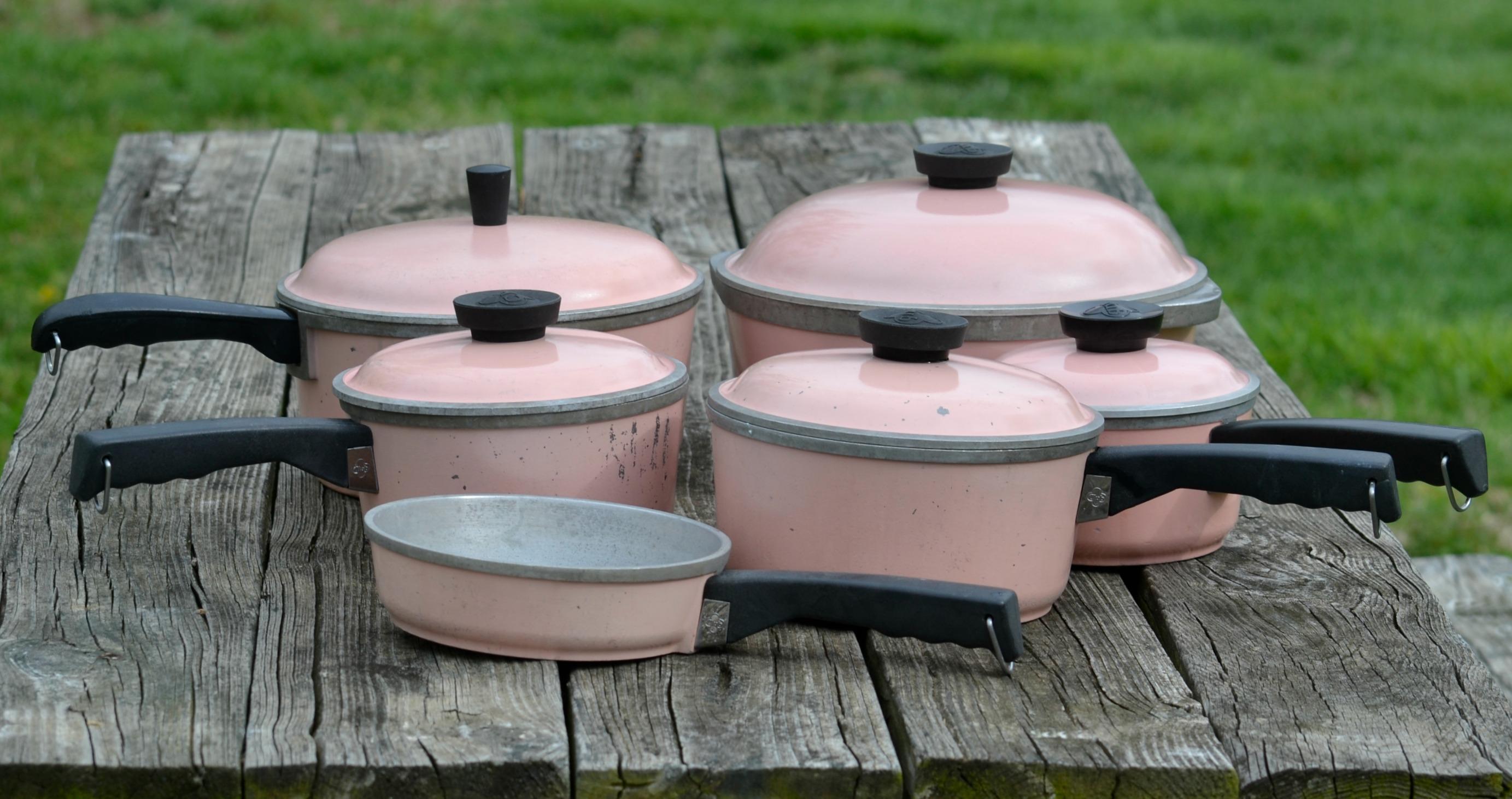 Pink Club Aluminum Cookware – Hello Beautiful!