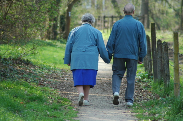 Three Benefits of Getting a Walk-In Shower for an Elderly Person